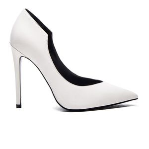 Kendall and Kylie ABI White Leather Pumps NWT